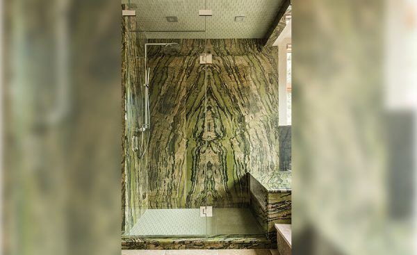 Placaj perete baie granit Verde Baboo