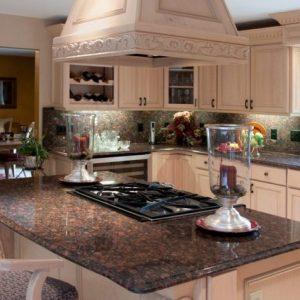 Tan Brown Blaturi granit bucătării moderne