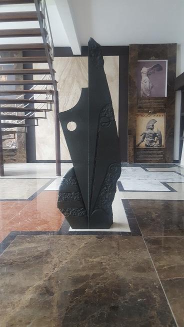 sculptura adezit