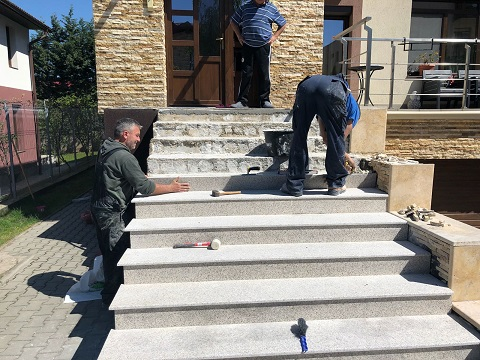 montaj trepte granit fiamat Cluj