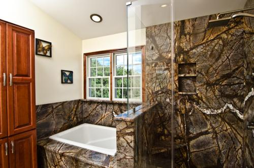 Rainforest-Brown-Granite-Bathroom-8